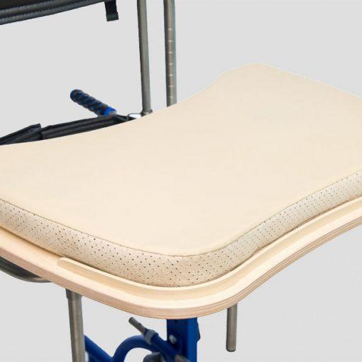 Защищает пользователя от удара об столик. Рекомендуется для людей с нарушенной двигательной координацией конечностей.